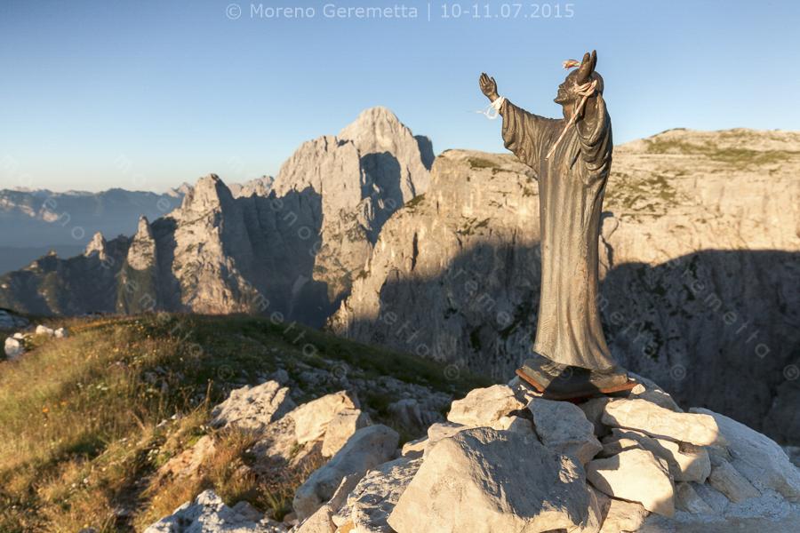 Statua del Cristo nei pressi del bivacco