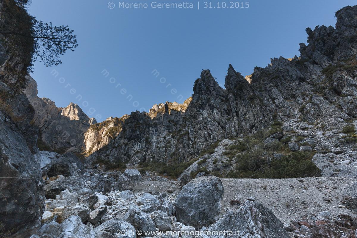 Alta val Pegolèra verso il Bus de le Néole - Monti del Sole