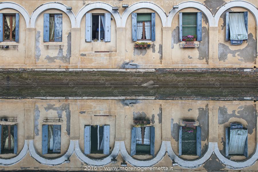 Chioggia - Riflessi nel canale